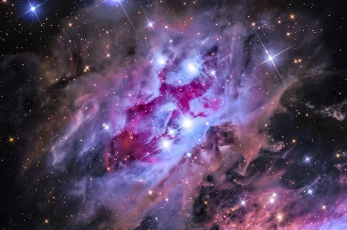 澳大利亚摄影师Steven Mohr 的作品The Running Man Nebula© 照片: STEVEN MOHR/INSIGHT ASTRO