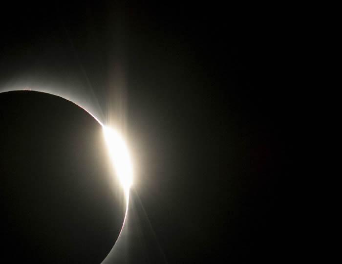 西半球7月2日迎来日全食