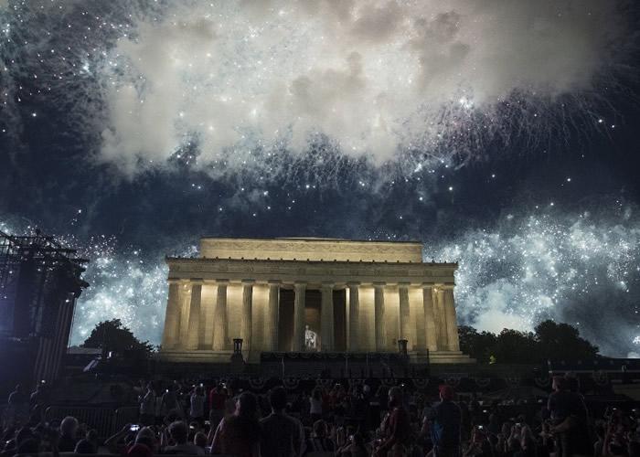 7月4日美国独立日阅兵 特朗普颂扬美利坚无所不能