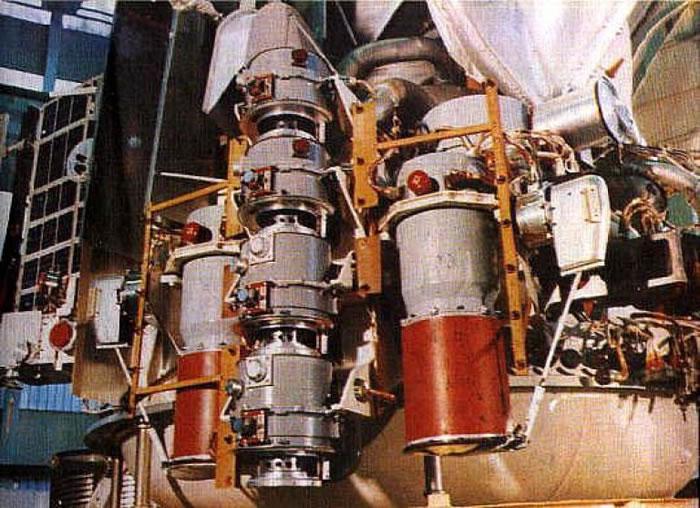 此图和上图为维加1号和2号的登陆艇,其设计是源自金星号的概念。 金星号是苏联的探测器,送回了第一批──也是绝无仅有的一批──金星表面照片。 PHOTOGRAPH