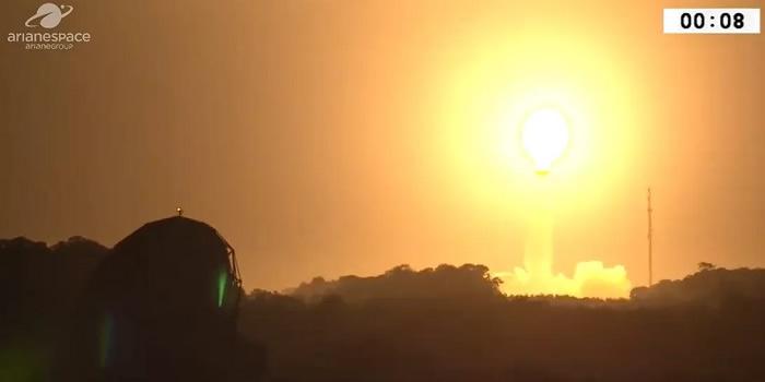 """法国阿丽亚娜空间公司:搭载阿联酋卫星的""""织女星""""运载火箭发射失败"""