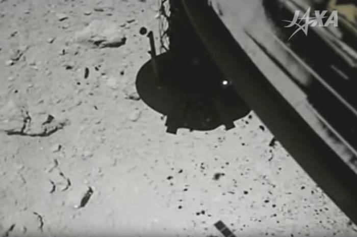 """日本隼鸟2号探测器再次登陆小行星""""龙宫""""有助于了解太阳系起源"""