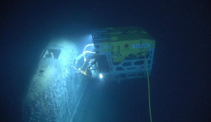 """1989年沉没的前苏联核潜艇""""共青团员号""""辐射超标80万倍 深海中冒出不明白色烟雾"""