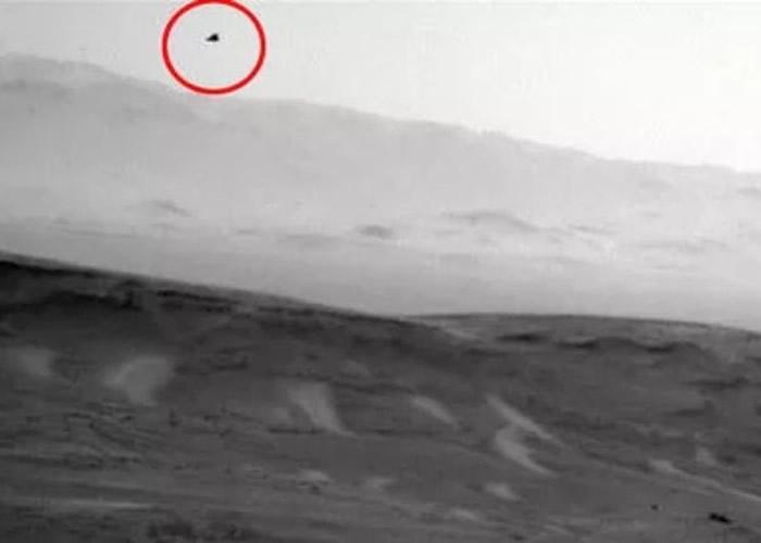 好奇号编号SOL 2446火星照空中现黑鹰?网民疑UFO