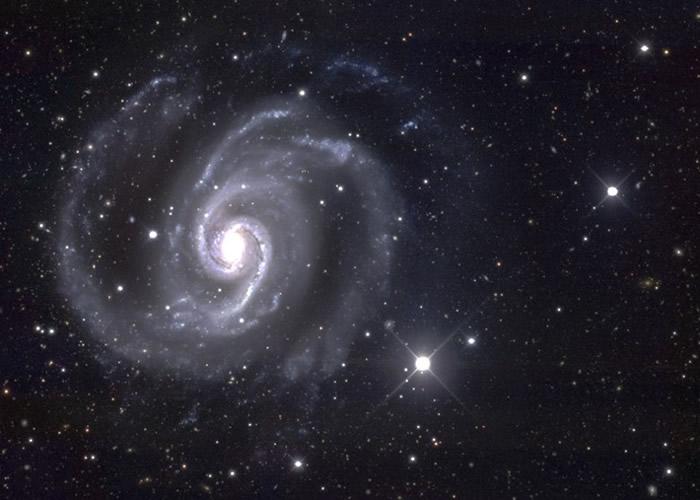 暗物质被视为宇宙研究中最具挑战性的神秘谜团。