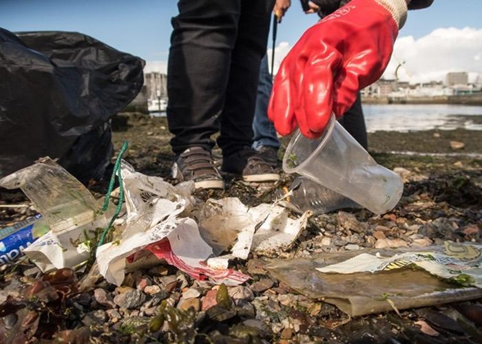塑胶污染问题严重。