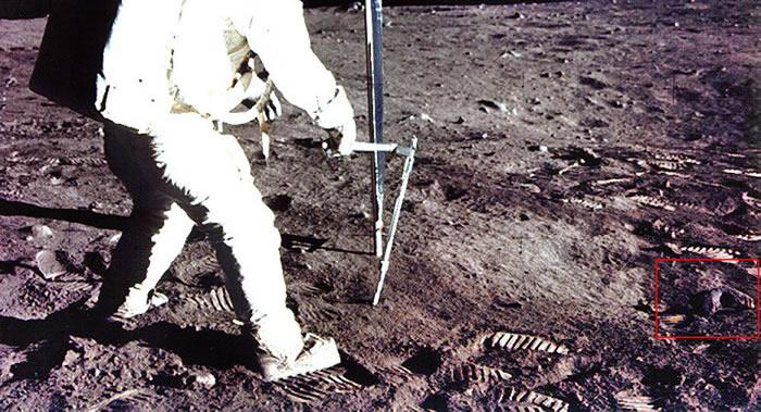 """俄罗斯研究员瓦连京·杰格特列夫:美国""""阿波罗11号""""登月照片上发现外星人头骨"""