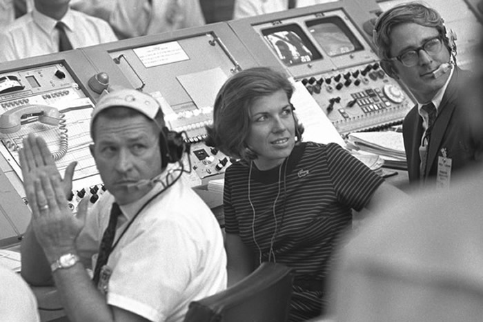 """阿波罗11号登月50周年:发射室唯一女性JoAnn Morgan 她""""的血液里面流的是火箭燃料"""""""