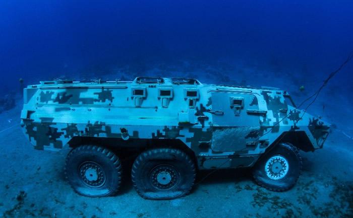 沉在海底的都是已退役的军用设备。