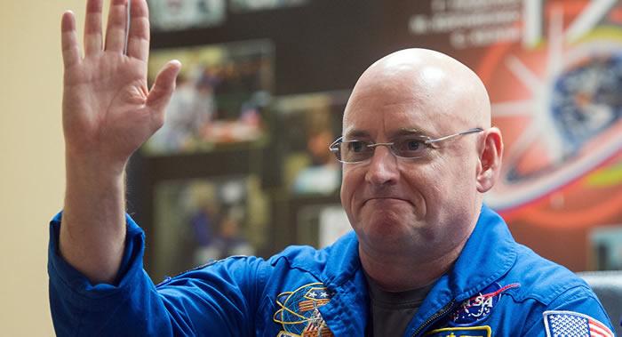 美国前宇航员透露薪金 太空飞行期间津贴比俄罗斯同行少
