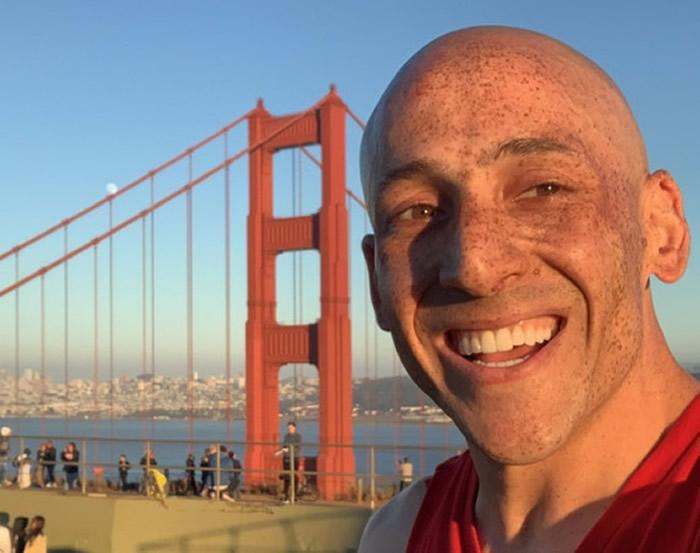 19年前跳下旧金山金门大桥被海狮救起 立志加装安全网帮助更多人