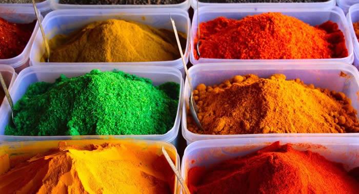 日本学者远藤教授介绍有助于避免患老年痴呆症的食品——印度香料姜黄