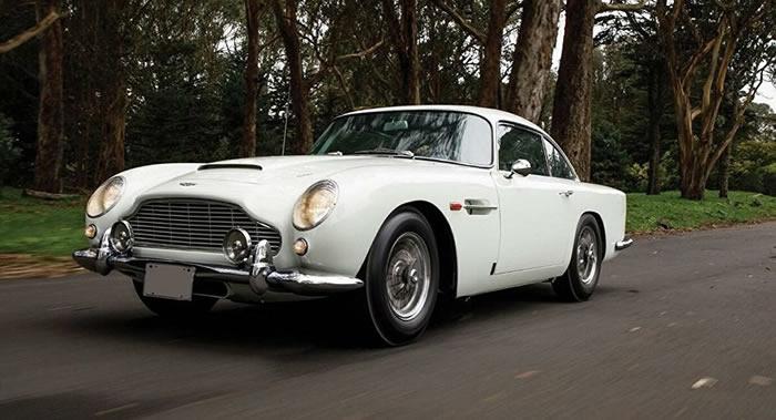 007詹姆士∙邦德的阿斯顿∙马丁DB5汽车以640万美元被拍卖