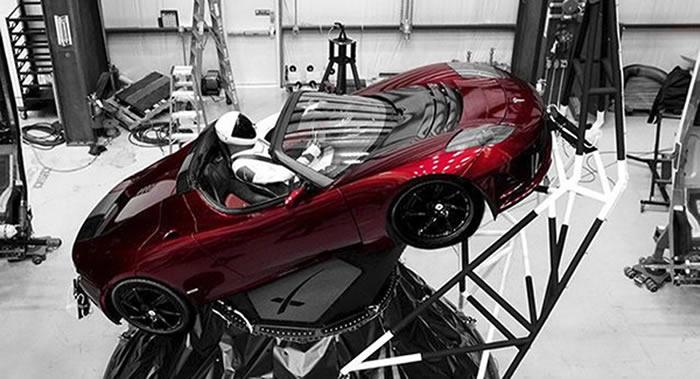 特斯拉超跑Roadster和假人驾驶员Starman已经绕太阳完整飞行一圈