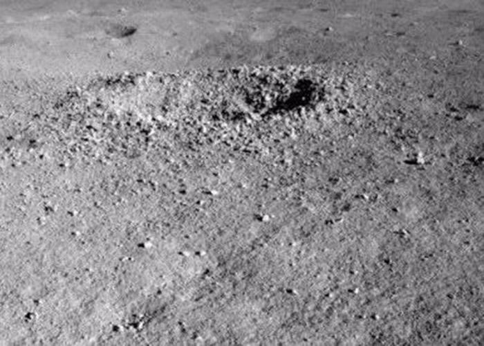 玉兔二号在月球发现神秘物质 凝胶状颜色非同寻常
