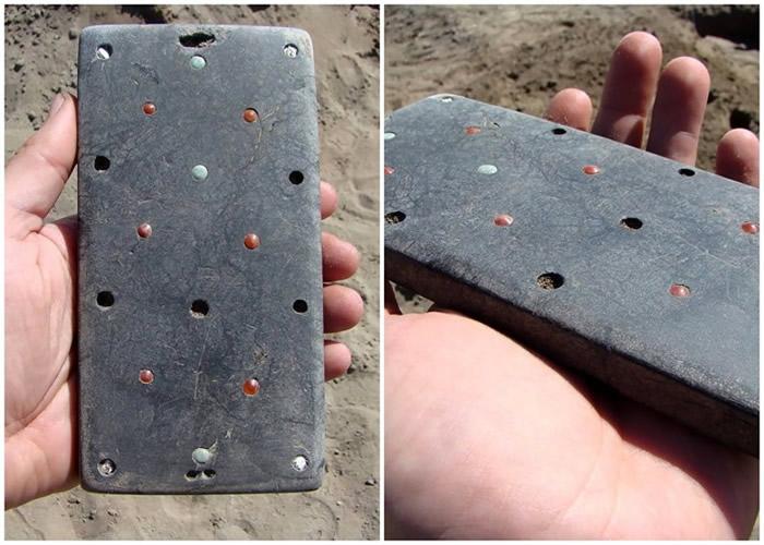 """俄罗斯""""阿拉泰墓地""""神秘匈奴墓葬挖出2137年前""""iPhone""""智能手机?"""