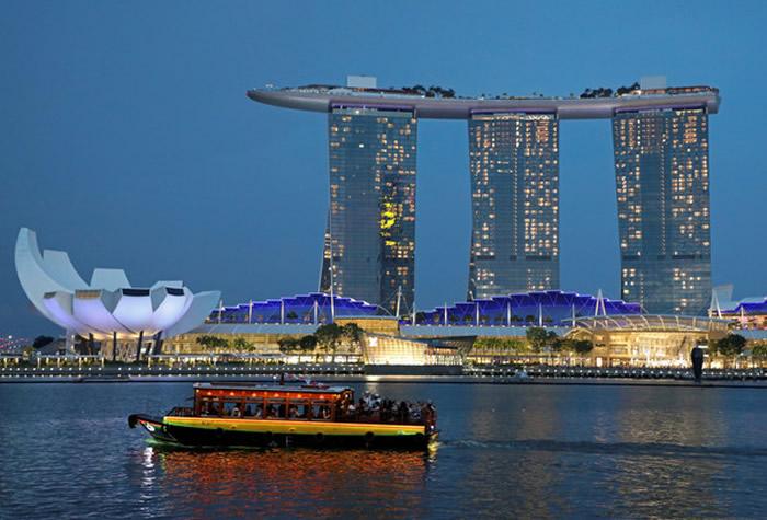 海平面不断上升危及新加坡 李显龙砸巨款抗气候变迁