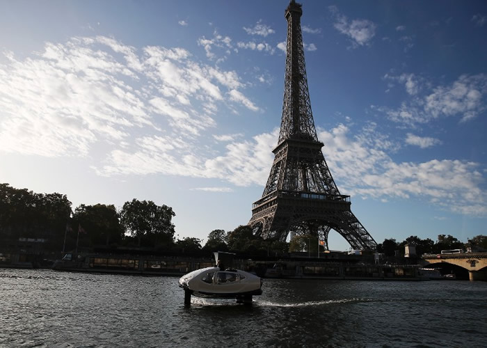 乘客未来或可乘环保水上的士饱览塞纳河风光。