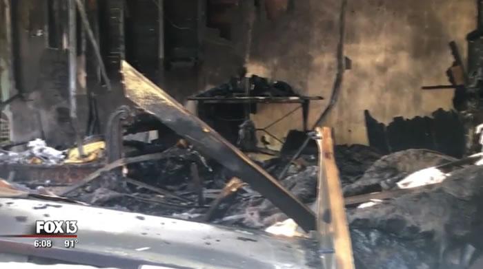 美国佛罗里达州一户人家半夜发生火灾 忠犬不断来回大声吠叫救全家
