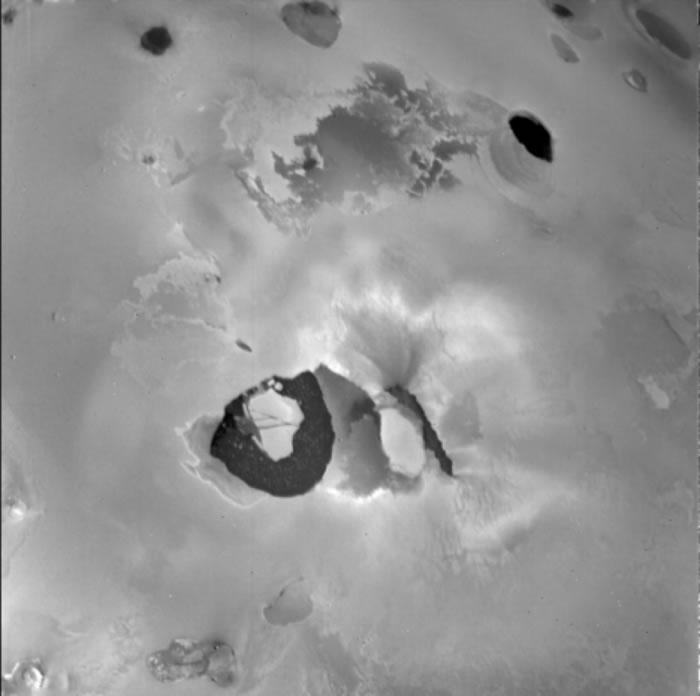 木卫一伊奥(Io)上一个名为洛基(Loki)的火山可能会在这个月喷发