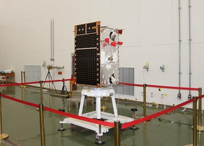 """中国首颗空间引力波探测技术实验卫星""""太极一号""""测试成功 精度达1个原子直径"""