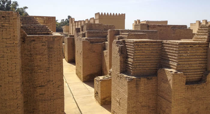 伊拉克政府认为联合国教科文组织把巴比伦列入世界遗产名录的决定做得太晚