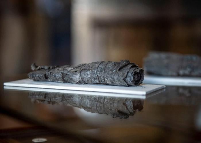 不少赫库兰尼姆古城的古卷因碳化无法得知当中奥秘。