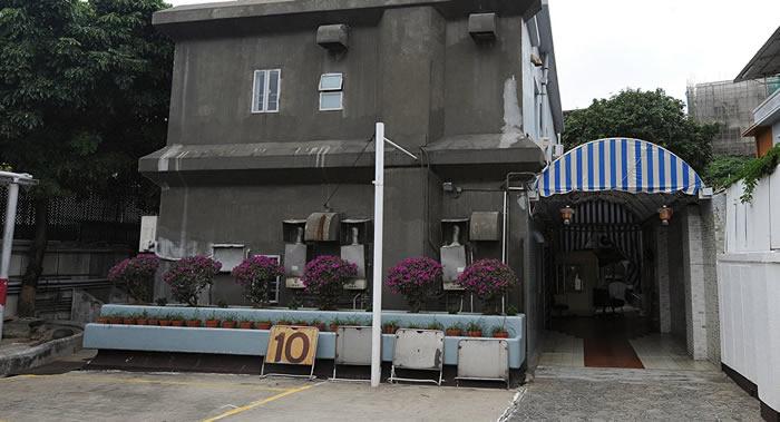 香港九龙塘坎伯兰道41号的李小龙故居被拆除