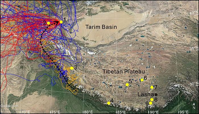 图2 2018年春季3月(红线)、4月(橙色)、5月(蓝色)气流后向轨迹;黑色虚线表示从青藏高原东南缘到帕米尔东部气流的示意路径;黄色圆点表示青藏高原地区全新世