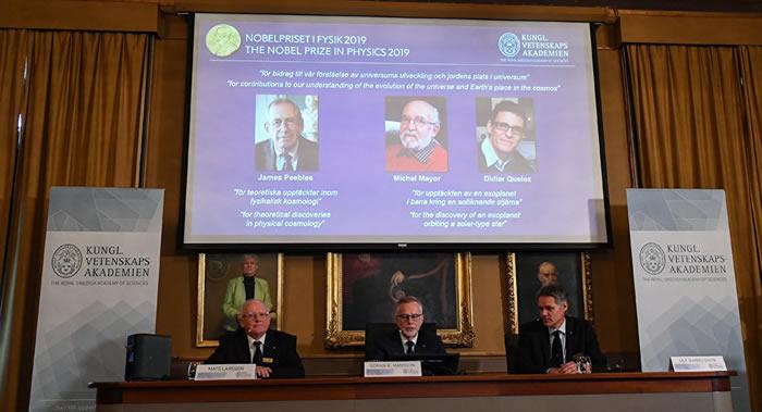 2019年诺贝尔物理学奖得主:吉姆·皮布尔斯、米歇尔·麦耶和迪迪埃·奎洛兹