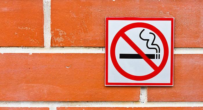 大约三分之一的癌症病例与抽烟、喝酒、饮食不健康及缺乏锻炼有关