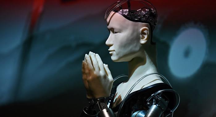 研究表明人类对机器人的信任程度过高