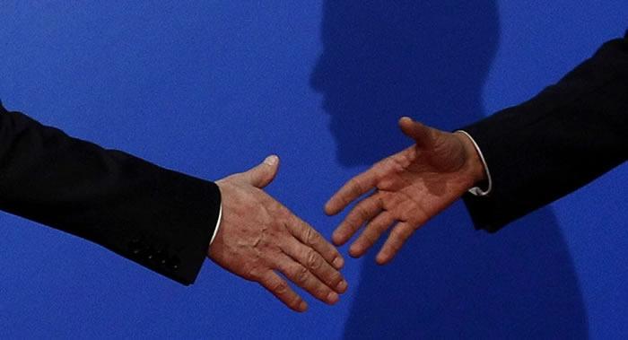 《知觉及运动技能》:长时间握手会使人感到焦虑 对个人交往及商务交往带来负面影响