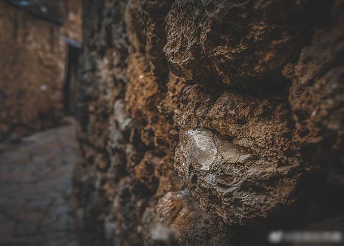 石头上的印记见证住时代及历史的变迁。
