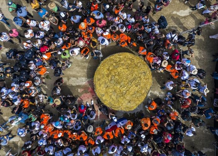 巨型芭蕉馅煎饼创下吉尼斯世界纪录。