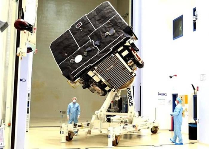 """欧洲太空总署成功建造""""太阳轨道器""""探测器并准备发射 有望捕捉最高像素太阳表面影像"""