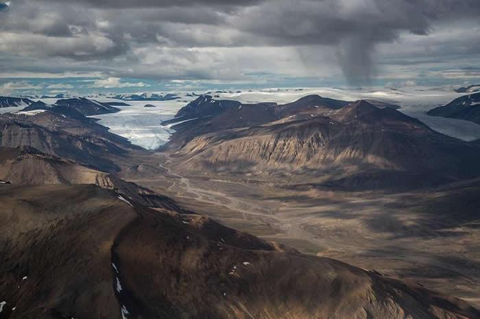 加拿大北极地区冰川融水大量吸收大气中的二氧化碳 速度比亚马逊雨林更快