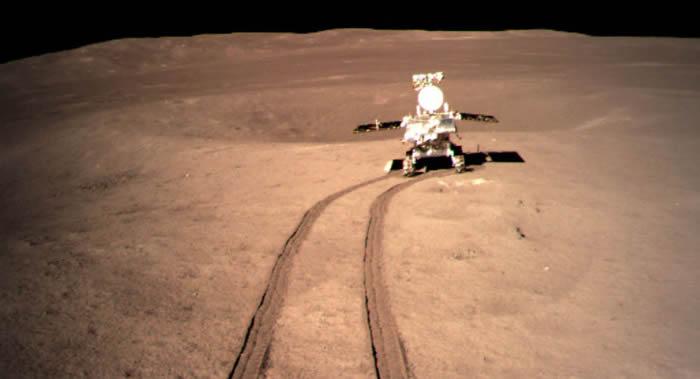 """中国""""玉兔二号""""月球车自今年1月抵达月球背面以来累计行走318.431米"""