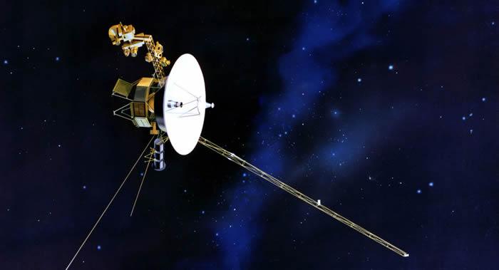 """""""旅行者2号""""探测器进入星际空间并传回首批数据"""