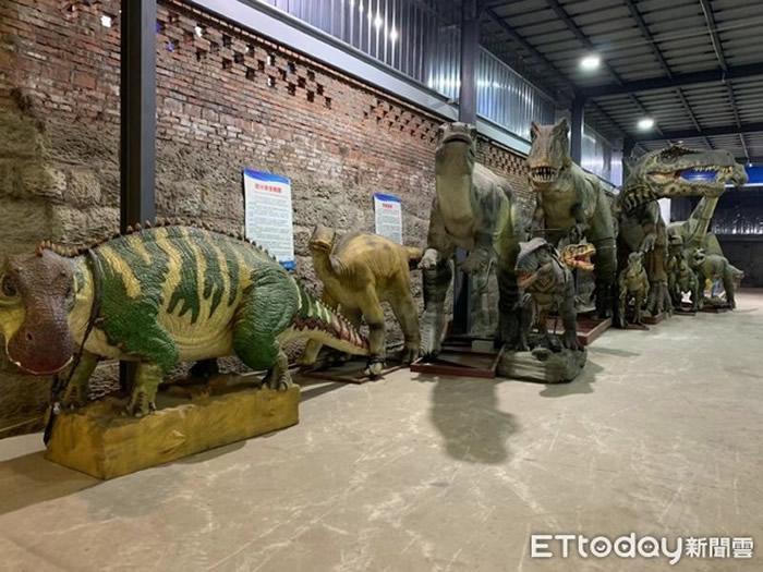 """""""恐龙之乡""""四川省自贡市衍生出最大仿真恐龙制造产业 全球超过80%仿真恐龙来自这里"""