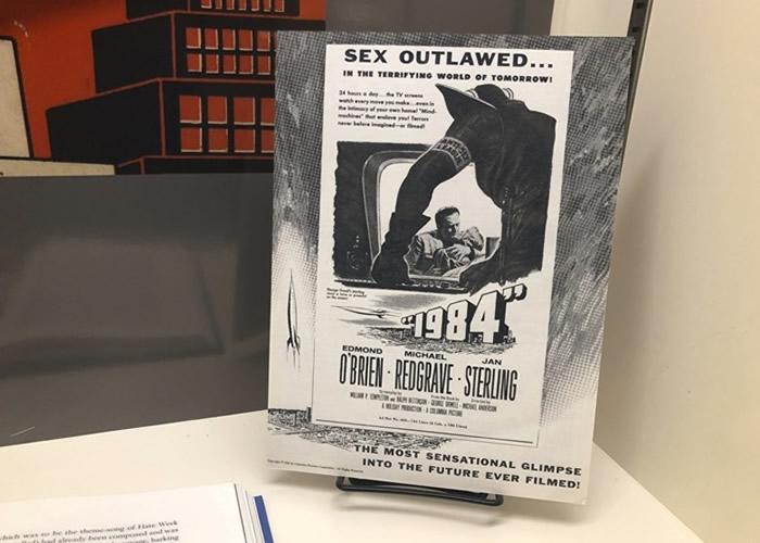 《1984》黑白电影海报亦有展出。