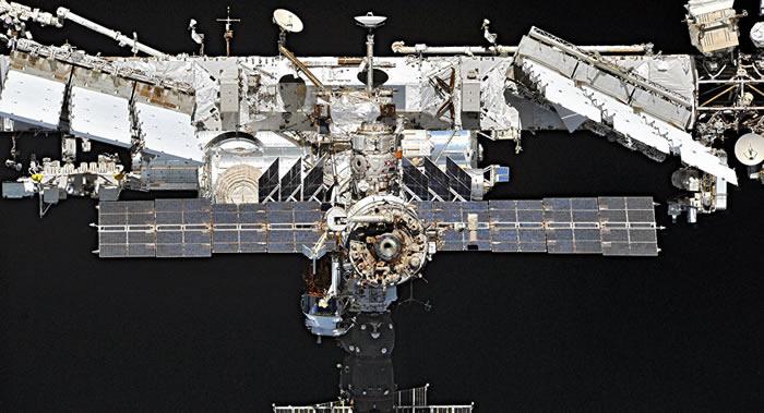 """借助""""进步MS-12""""货运飞船发动机进行国际空间站轨道修正 高度提升800米"""
