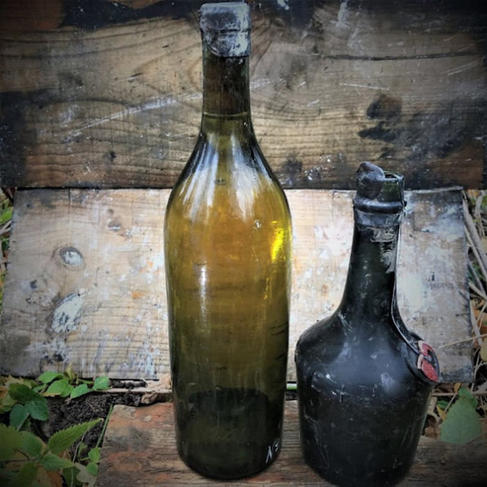 该批酒包括干邑白兰地和本尼迪克特甜酒。