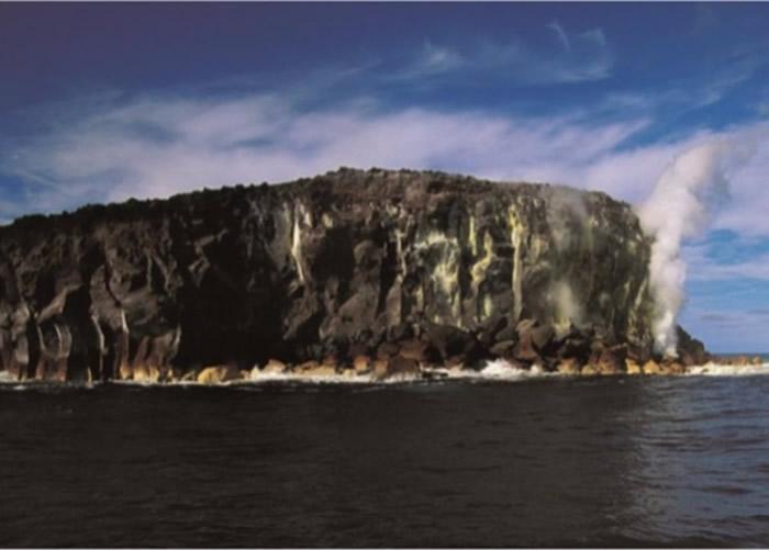 原来的拉德基岛亦是因火山爆发形成。