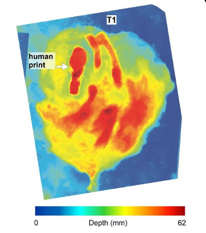 科学家使用3D雷达在12000年前猛犸象足迹中发现人类足迹化石