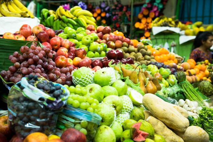 新研究表明某些特定的饮食习惯与中年患抑郁症的风险增加有关