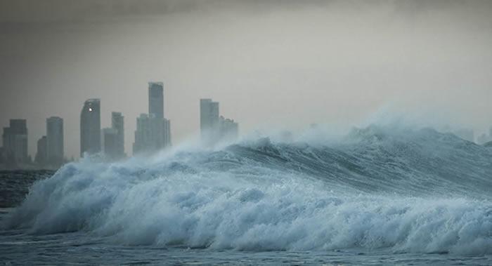 美国太平洋海啸预警中心称在强震后印度尼西亚沿岸有海啸威胁