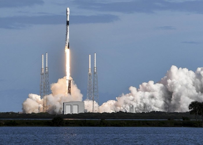 SpaceX今年5月至今共发射60颗迷你卫星 为第二批提供全球互联网覆盖的轨道网络