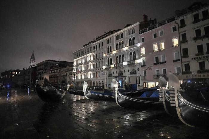 意大利旅游胜地水城威尼斯遭遇史上第二最高涨潮