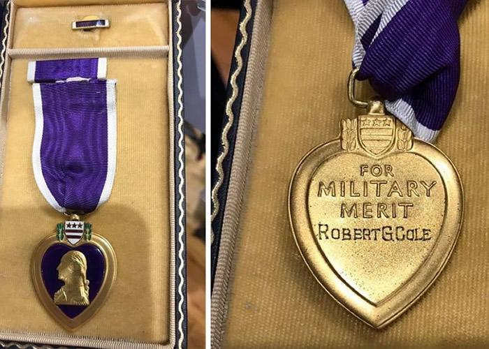 美国妇人在纽约州长岛枪械展览会无意买到珍贵二战紫心勋章 原本属于陆军中尉Robert G. Cole